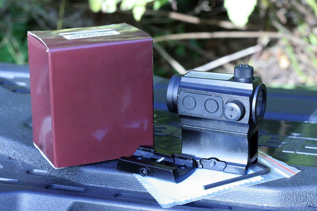 BEGADI Solar power red dot pack